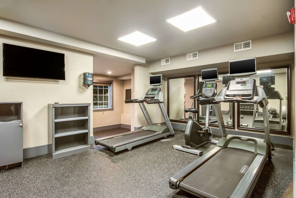 Fitness Facility, District 3 Hotel, Ascend Hotel Collection