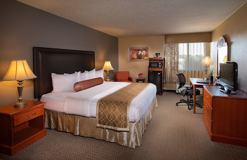 Great Place to stay Best Western Plus The Charles Hotel near St. Charles