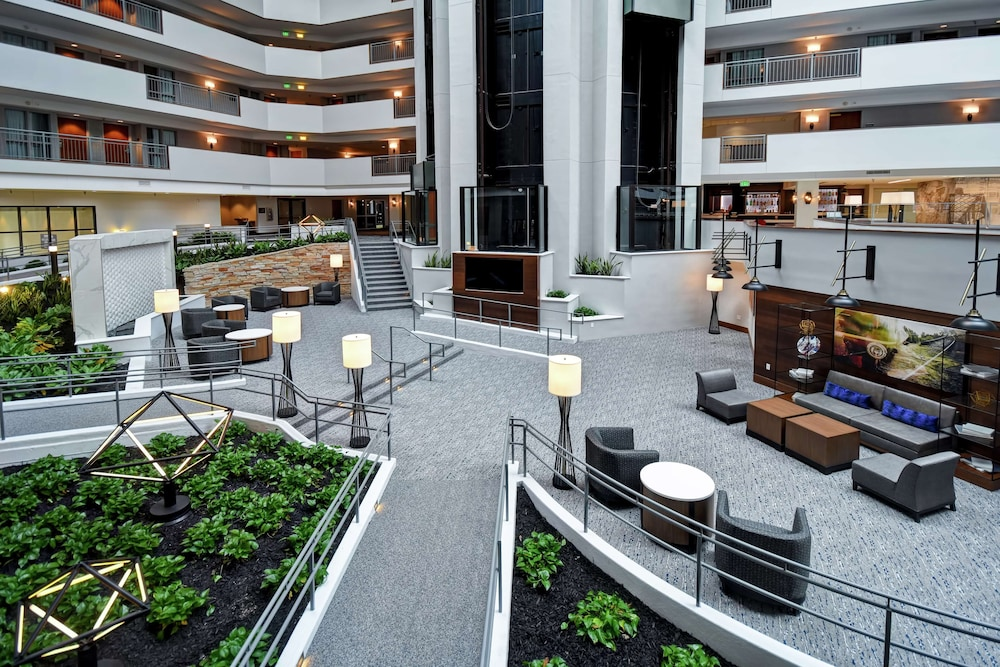 Lobby, Embassy Suites Omaha - Downtown/Old Market