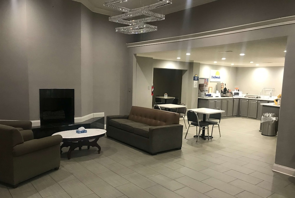 Lobby, Days Inn & Suites by Wyndham Collierville Germantown Area