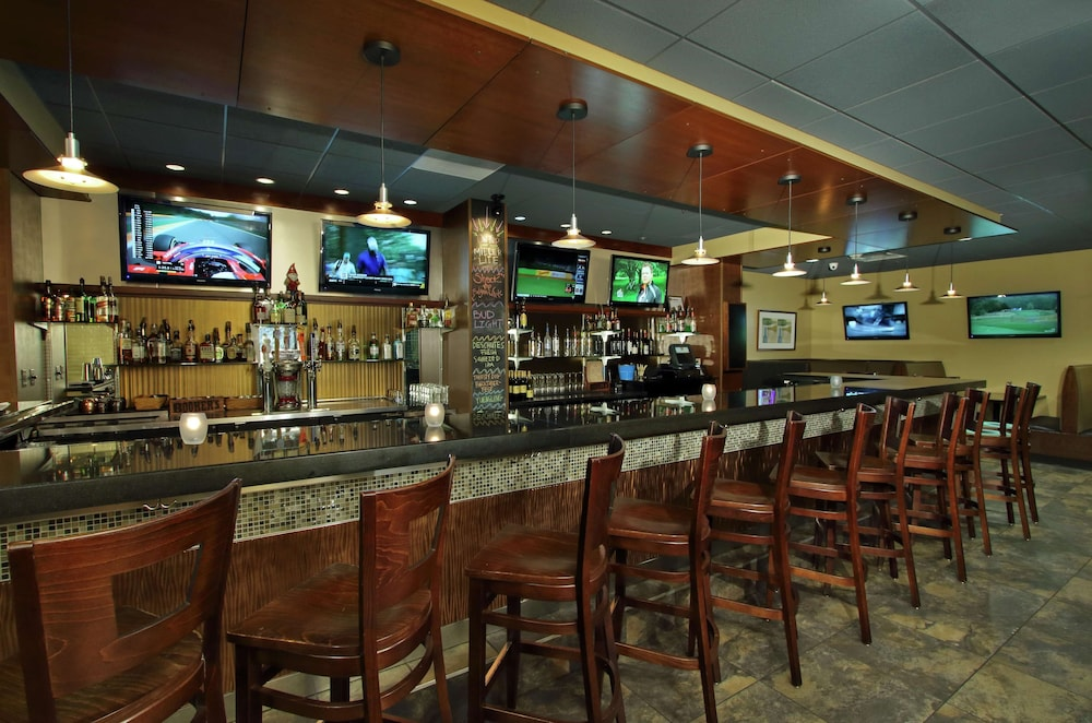 Bar, DoubleTree by Hilton Hotel Newark Ohio