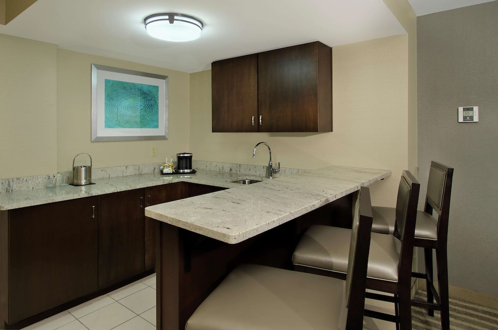 Private Kitchen, DoubleTree by Hilton Hotel Newark Ohio