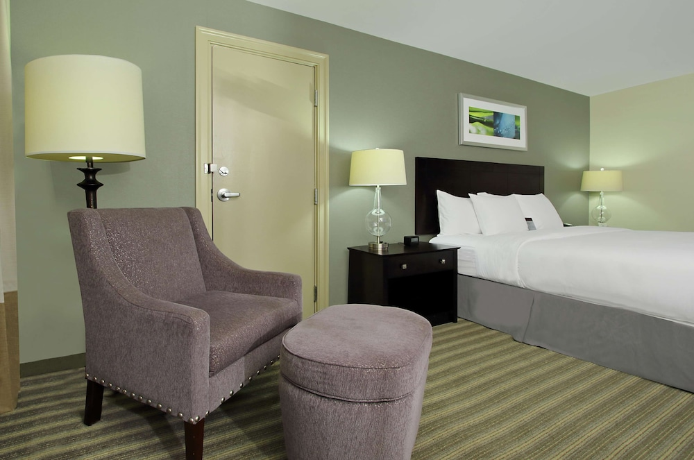 Room, DoubleTree by Hilton Hotel Newark Ohio
