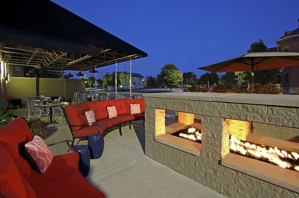 Terrace/Patio, DoubleTree by Hilton Hotel Newark Ohio