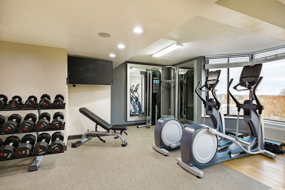 Fitness Facility, DoubleTree by Hilton Hotel Johnson City