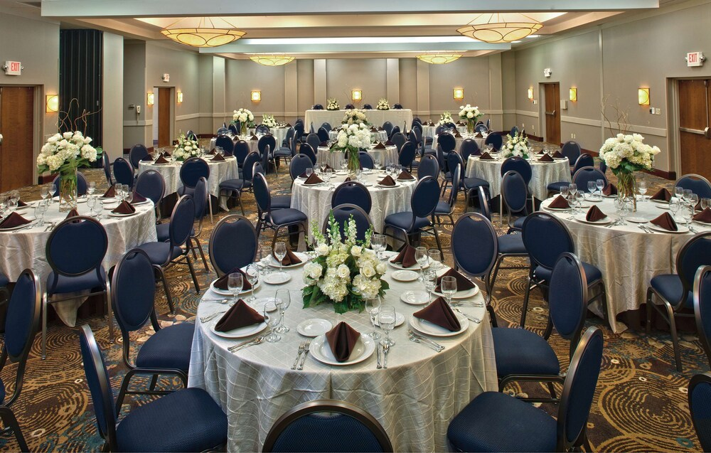 Ballroom, DoubleTree by Hilton Hotel Johnson City