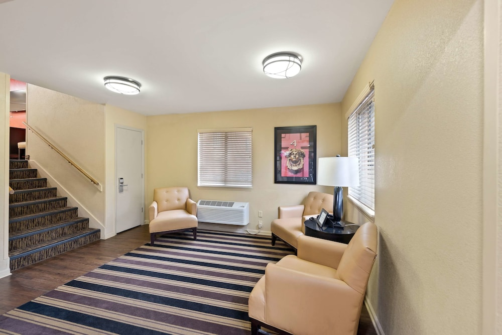Lobby, Extended Stay America Charlotte – Tyvola Rd – Executive Park
