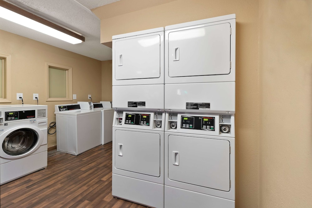 Laundry Room, Extended Stay America Charlotte – Tyvola Rd – Executive Park