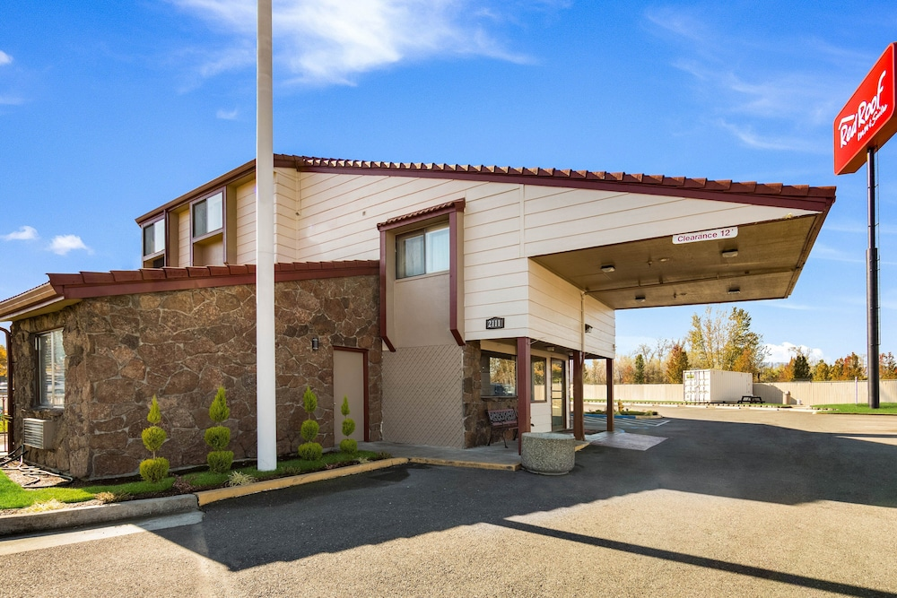 Featured Image, Red Roof Inn & Suites Medford - Airport