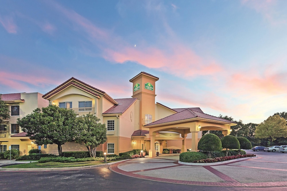 book la quinta inn suites dallas addison galleria