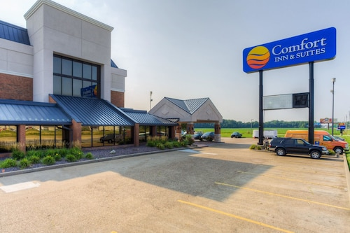 Great Place to stay Comfort Inn & Suites Evansvile Airport near Evansville