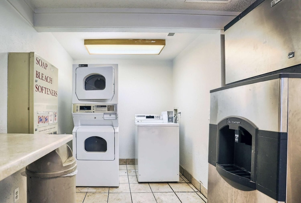 Laundry, Travelodge by Wyndham Hagerstown