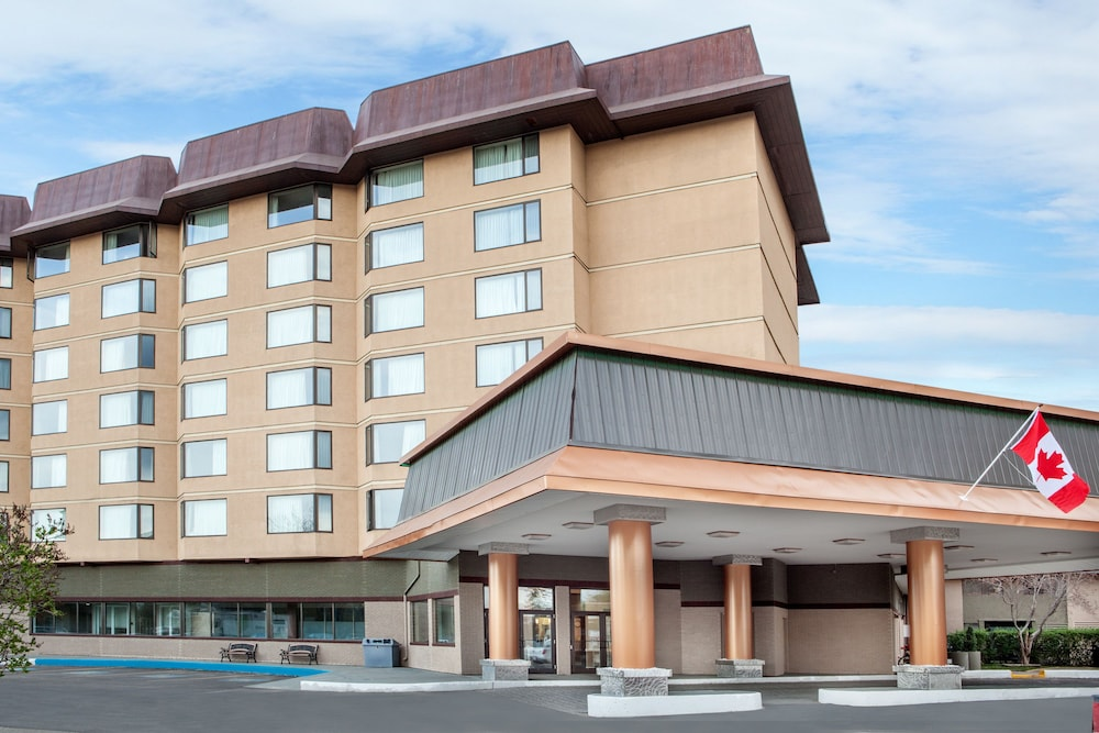 Book baymont inn suites red deer red deer hotel deals for The baymont
