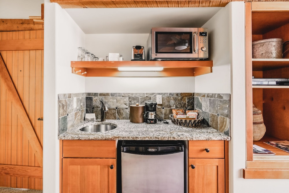Private Kitchenette, Sundance Mountain Resort