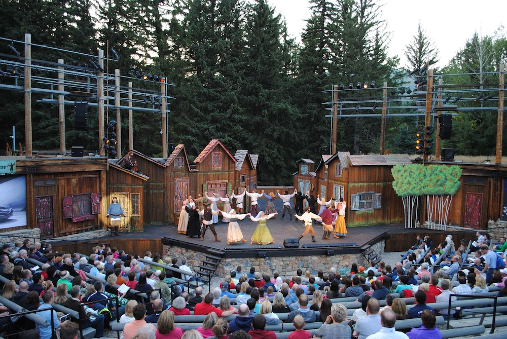 Theater Show, Sundance Mountain Resort