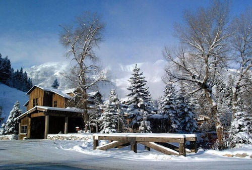 Exterior, Sundance Mountain Resort