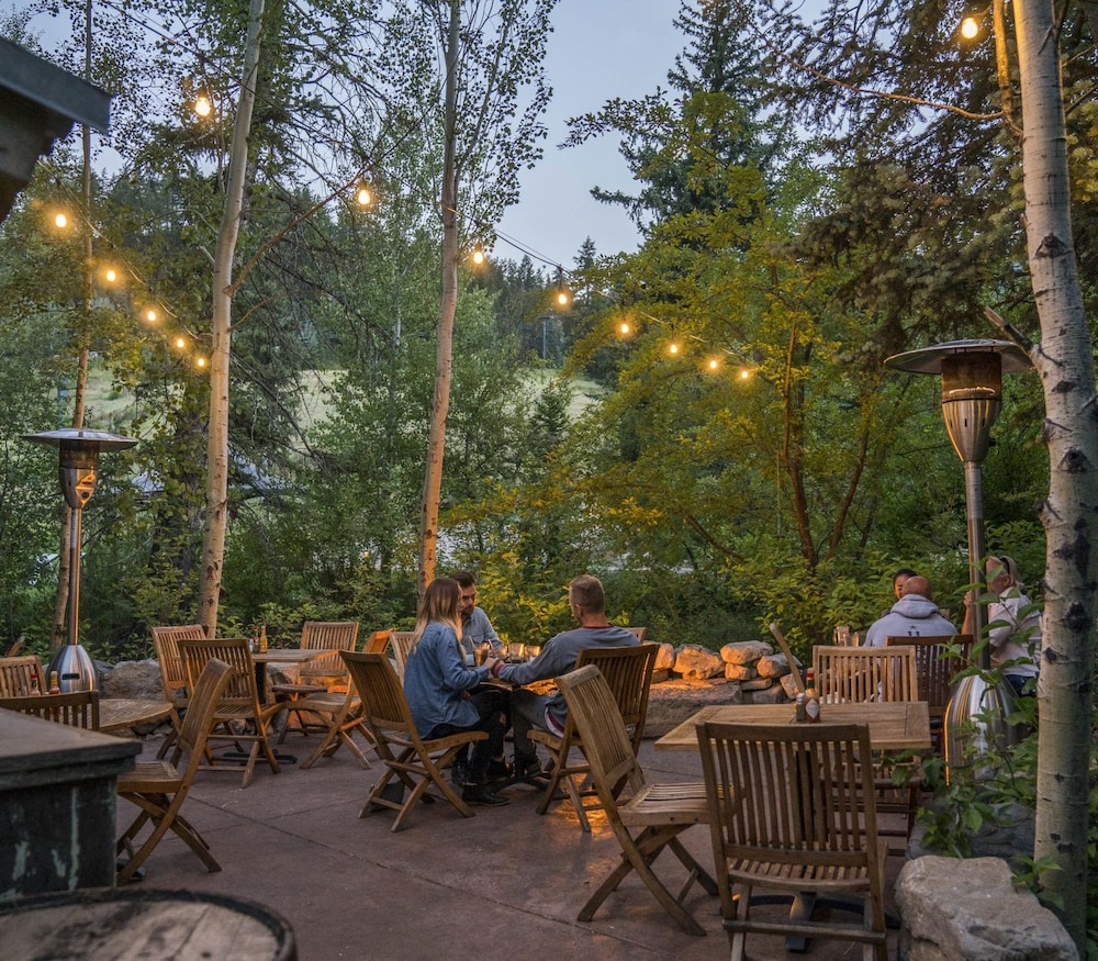 Outdoor Dining, Sundance Mountain Resort