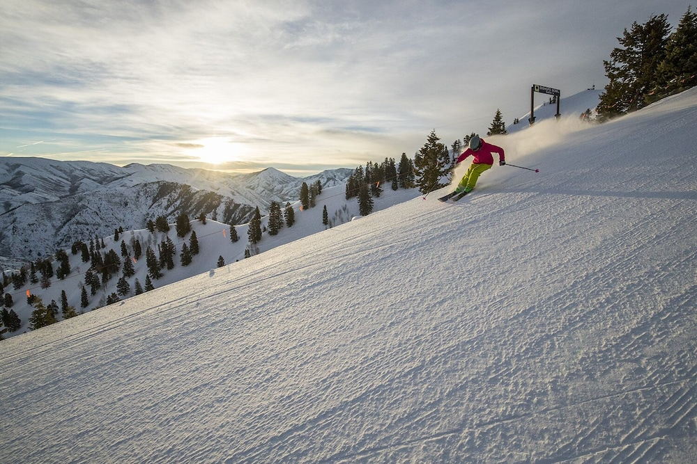 Snow and Ski Sports, Sundance Mountain Resort