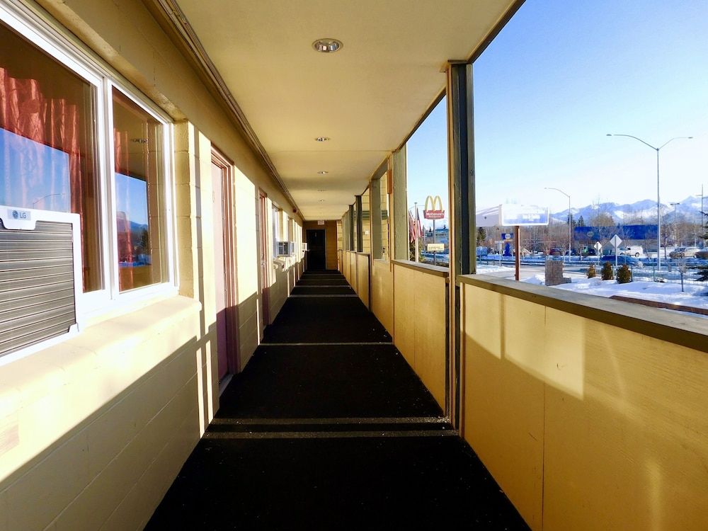 Porch, Americas Best Value Inn & Suites Anchorage Airport