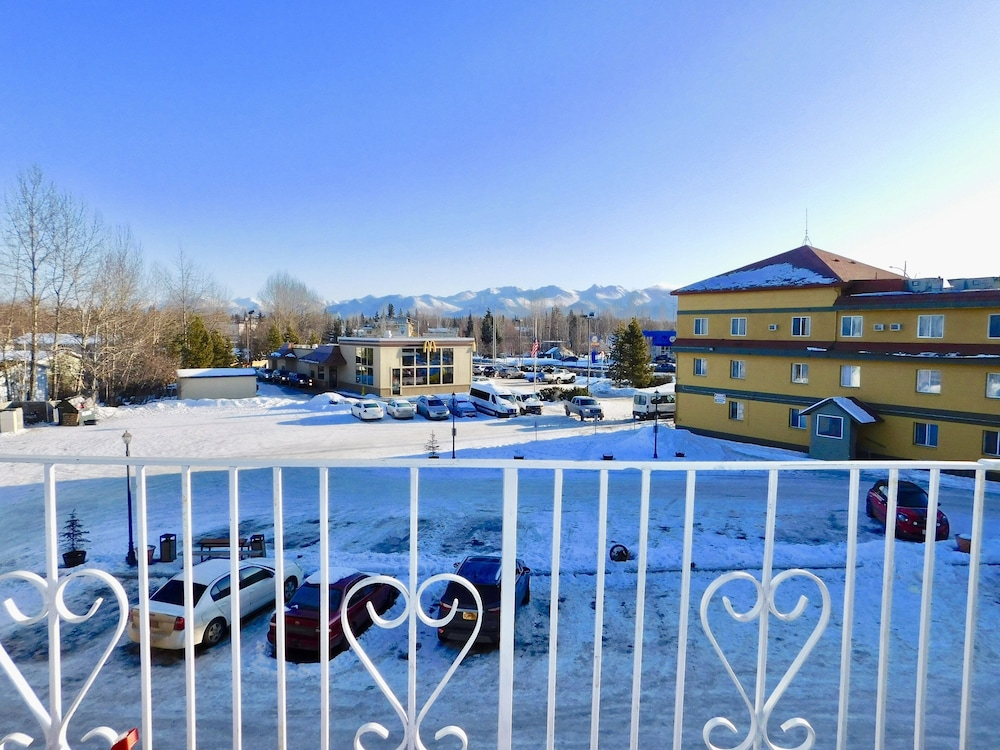 Balcony View, Americas Best Value Inn & Suites Anchorage Airport