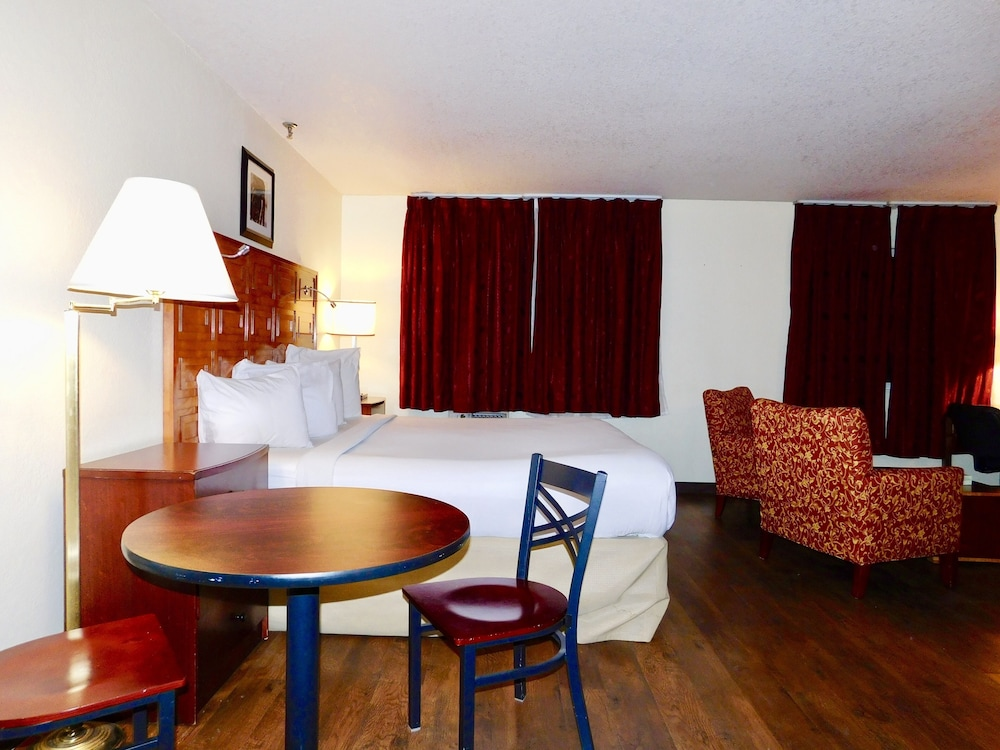 In-Room Dining, Americas Best Value Inn & Suites Anchorage Airport