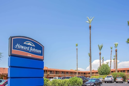 Great Place to stay Howard Johnson by Wyndham Phoenix Airport/Downtown Area near Phoenix