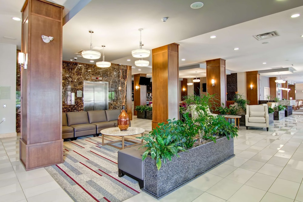 Reception, Doubletree by Hilton Hotel Kamloops