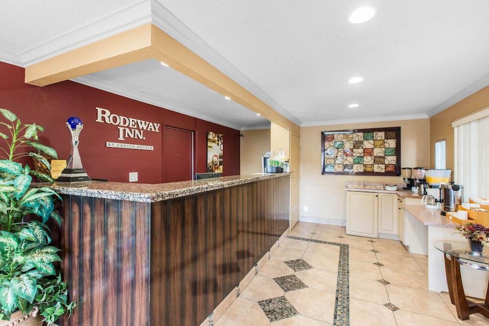 Rodeway inn escondido downtown 2018 room prices from 54 deals parking featured image reception solutioingenieria Images
