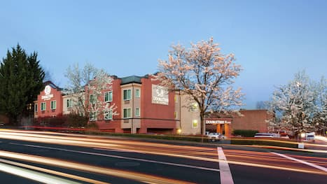 Tigard Hotels From 45 Hotel Deals Travelocity
