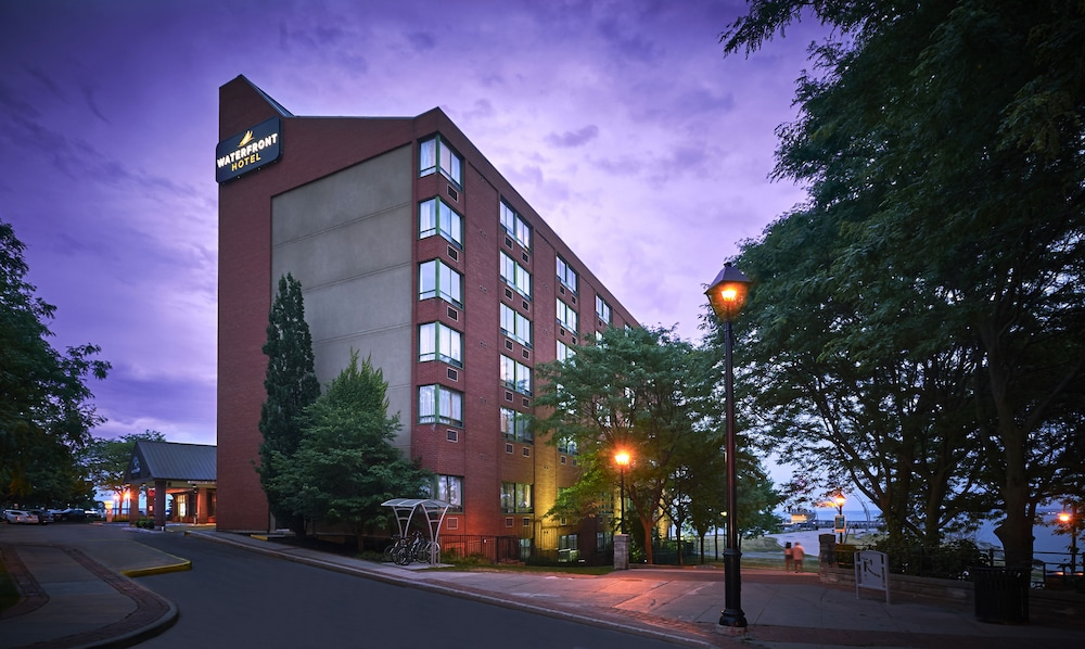 Waterfront Hotel Downtown Burlington