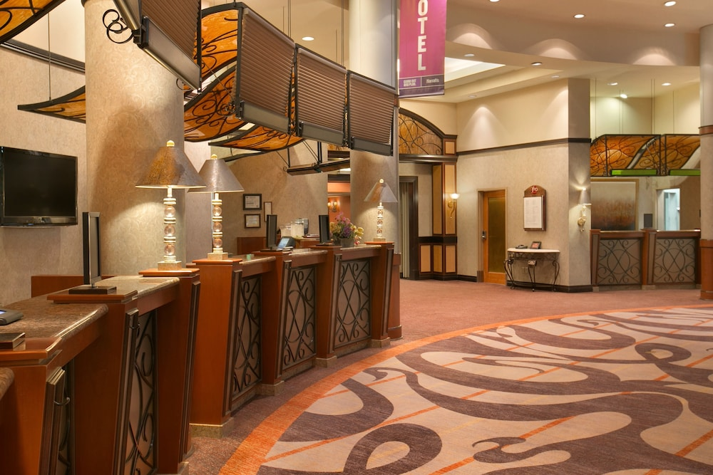 Hotel Front Featured Image Interior Entrance