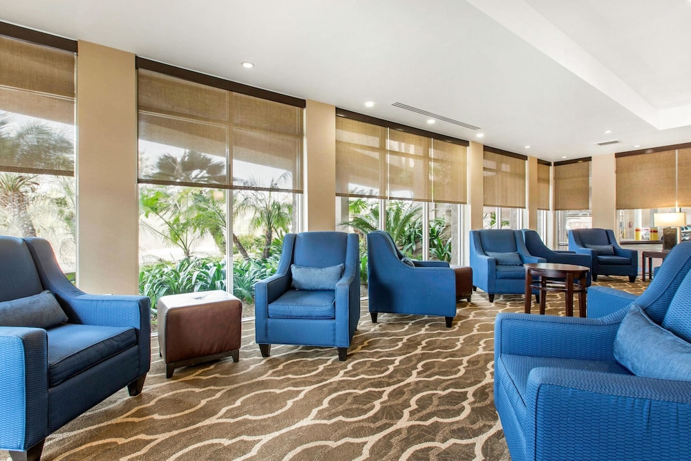 Lobby Sitting Area, Comfort Inn & Suites San Diego - Zoo SeaWorld Area