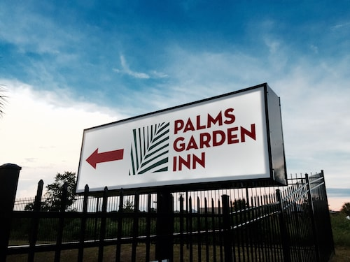 Great Place to stay Palms Garden Inn near Lake City