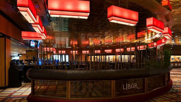 3 bars/lounges, beach bar