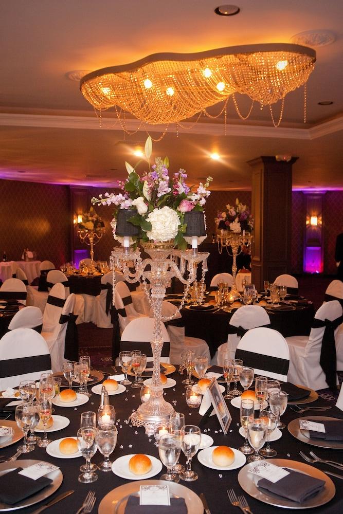 Royal Regency Hotel 3 5 Out Of 0 Indoor Wedding