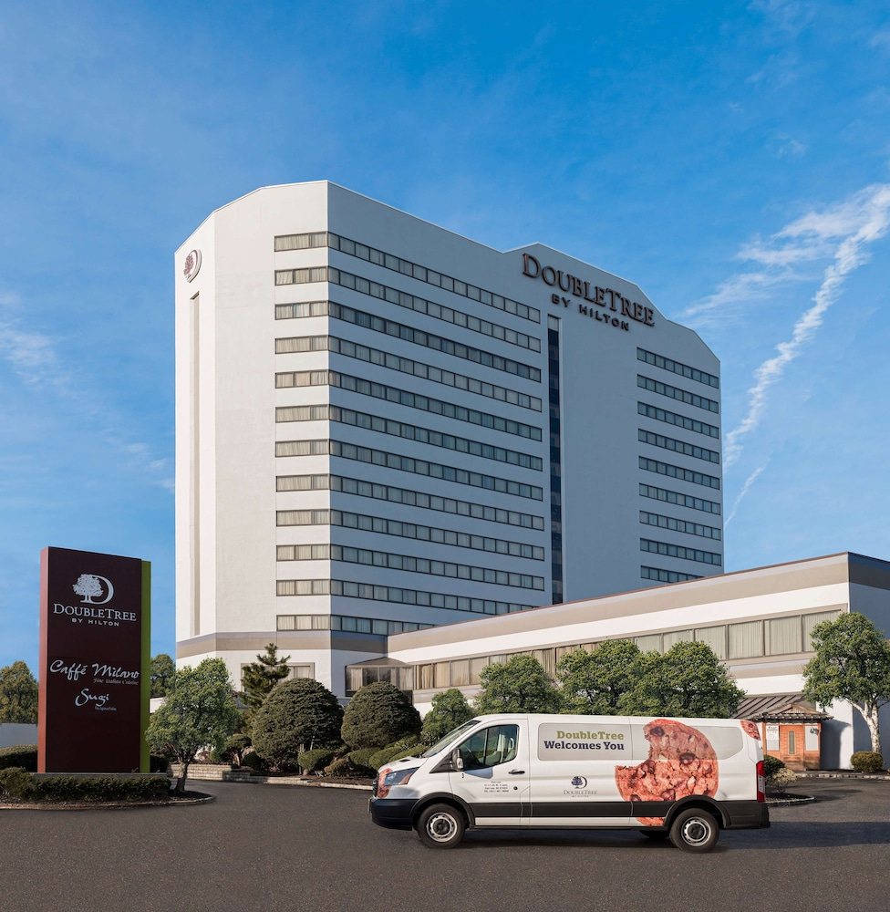 Featured Image, DoubleTree by Hilton Fort Lee - George Washington Bridge