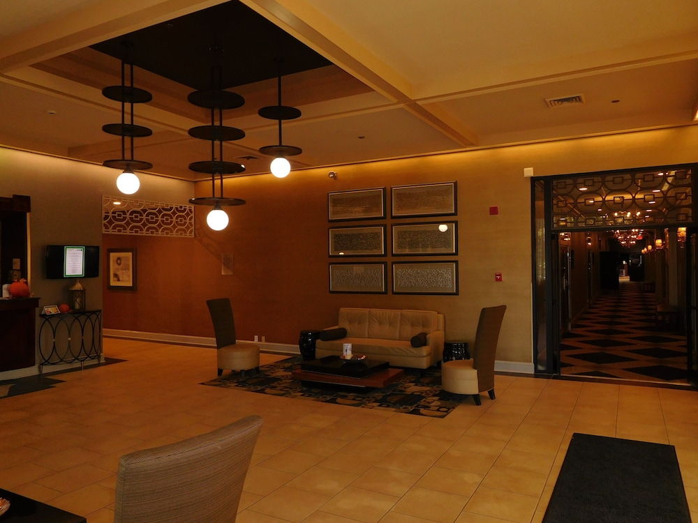Lobby Sitting Area, Wyndham Garden Greensboro