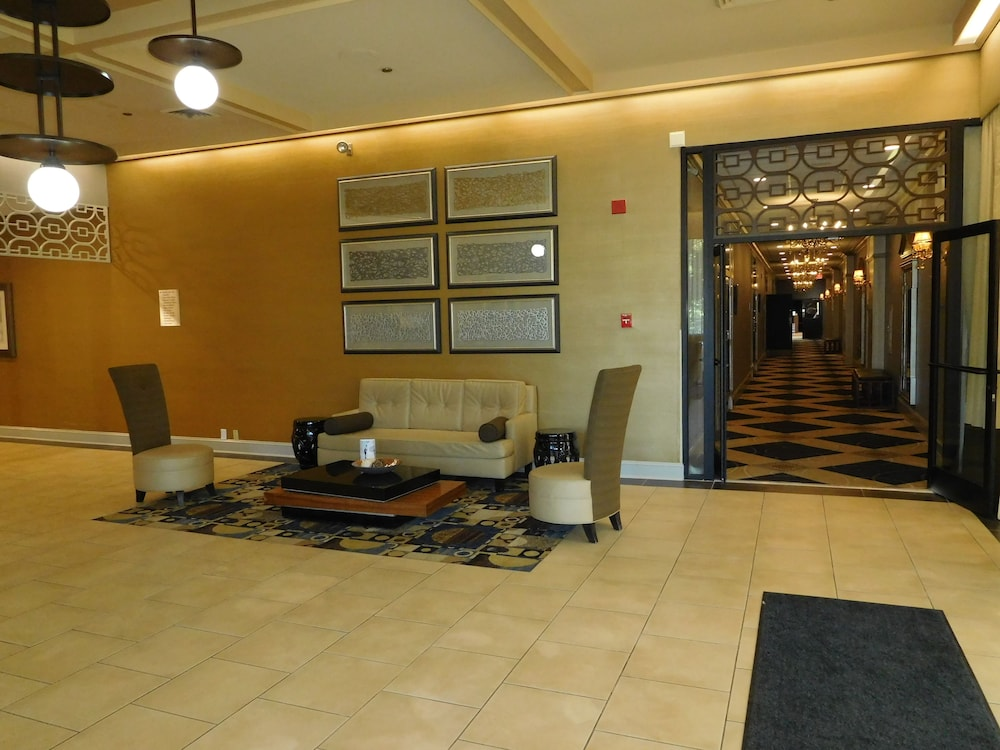 Interior Entrance, Wyndham Garden Greensboro