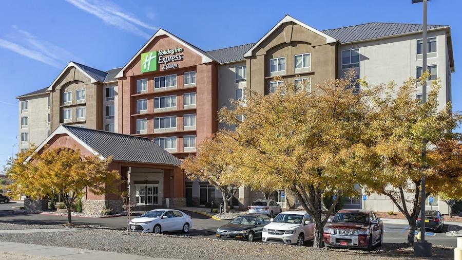 Holiday Inn Express Hotel & Suites Albuquerque Midtown, an IHG Hotel