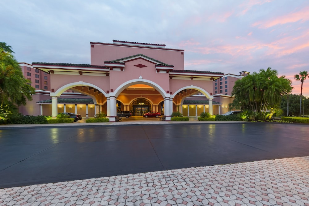 Front of Property - Evening/Night, Caribe Royale Orlando