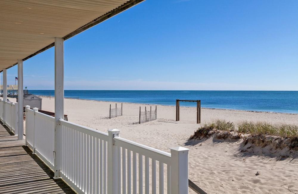 Book Riviera Beach Resort | Cape Cod Hotel Deals