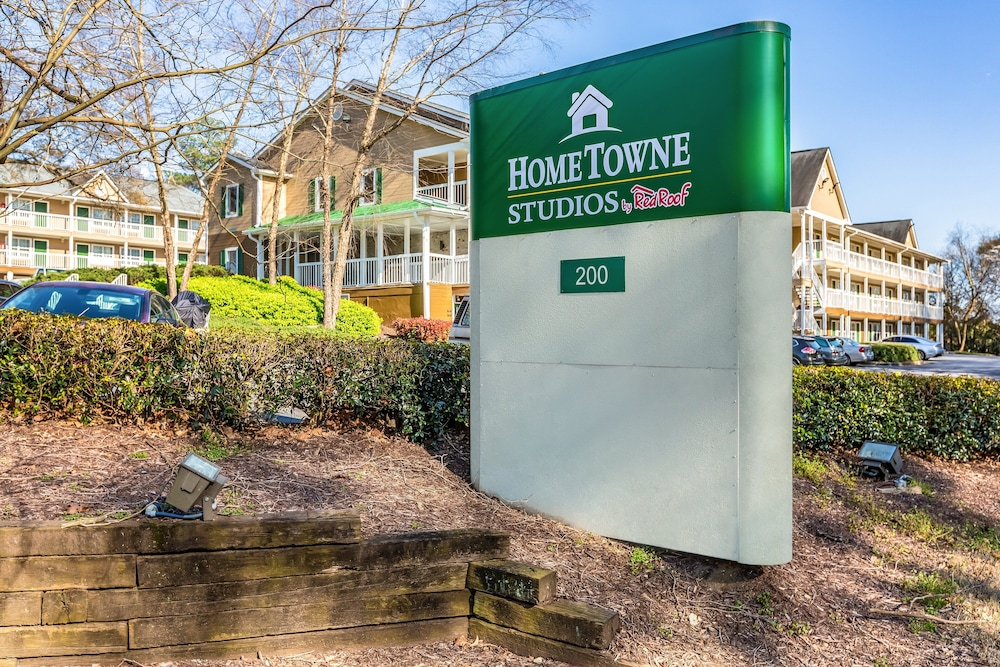 Exterior, HomeTowne Studios by Red Roof Atlanta NE - Downtown Norcross