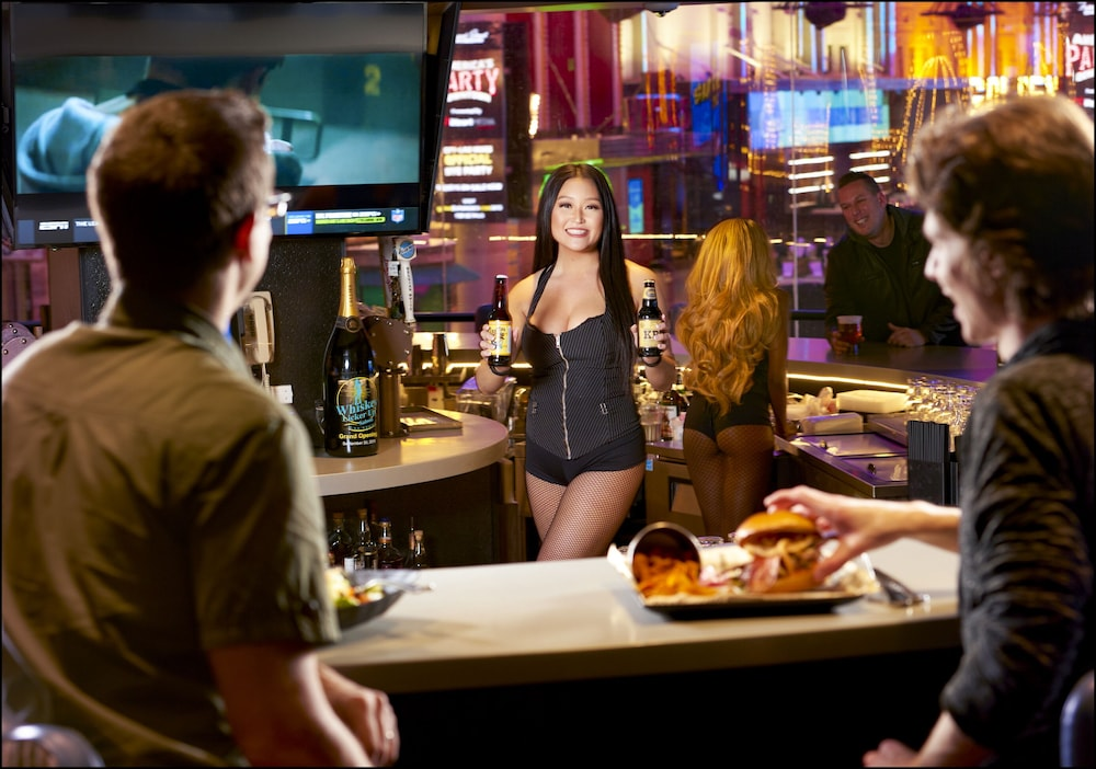 Bar, Four Queens Hotel and Casino (No Resort Fee)
