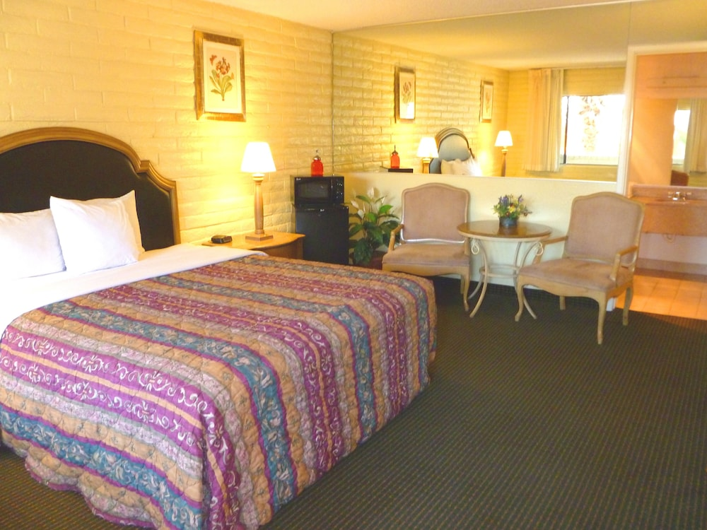 Featured Image, Heritage Inn Express Roseville