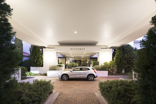 Diplomat Hotel Canberra