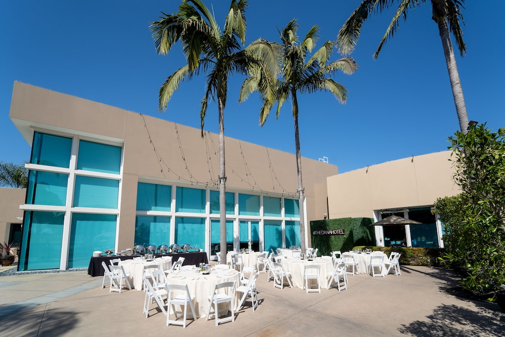 Outdoor Banquet Area, The Dana on Mission Bay