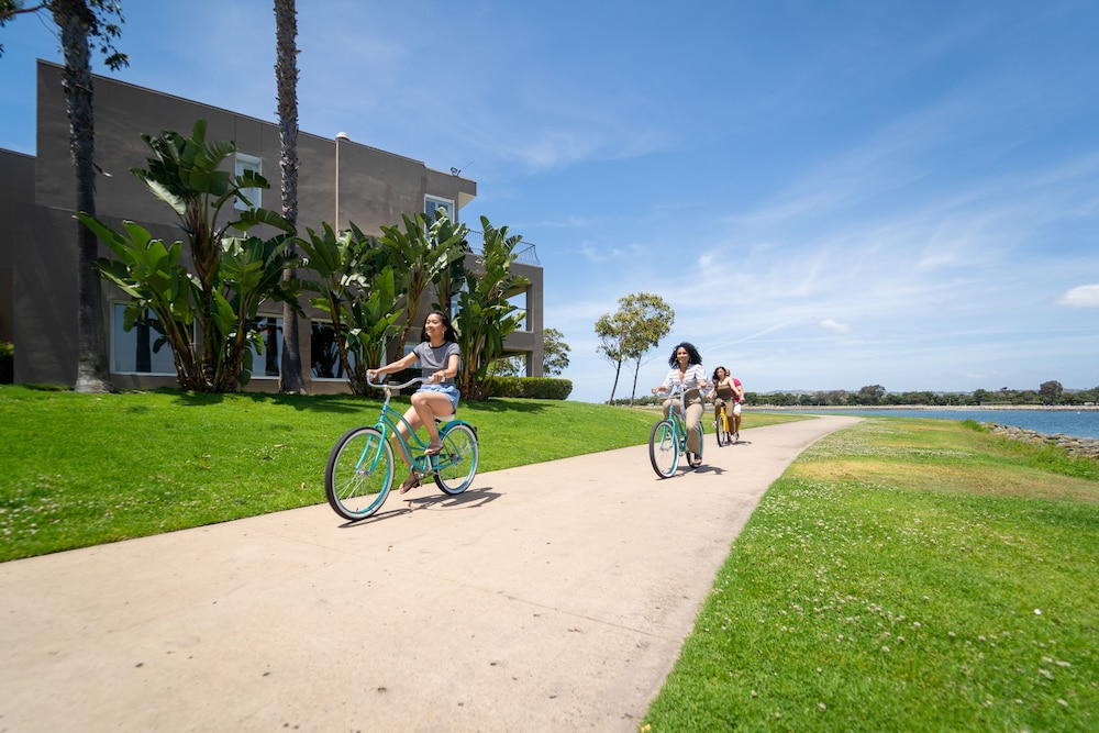 Bicycling, The Dana on Mission Bay