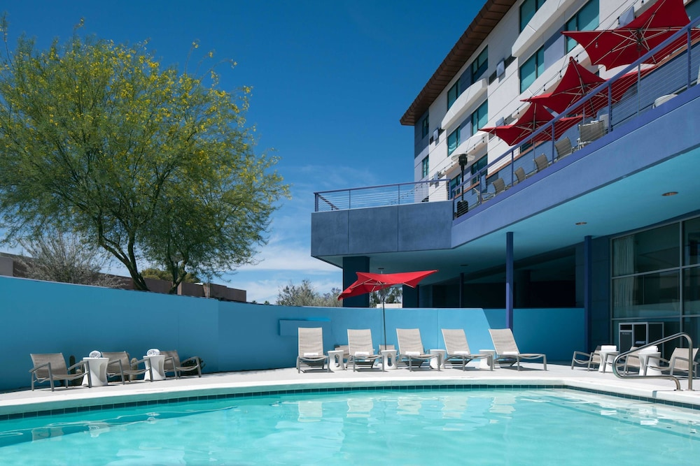 Pool, Aloft Scottsdale