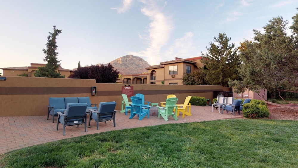 BBQ/Picnic Area, Sedona Real Inn & Suites