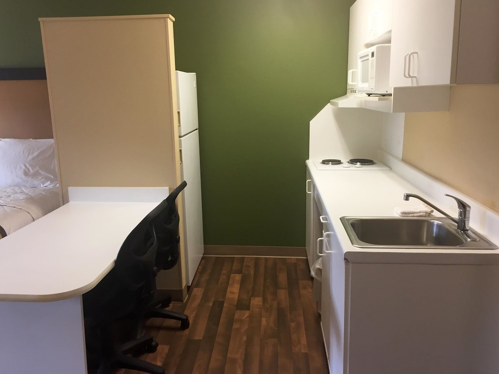 Private Kitchenette, Extended Stay America - Akron - Copley - East